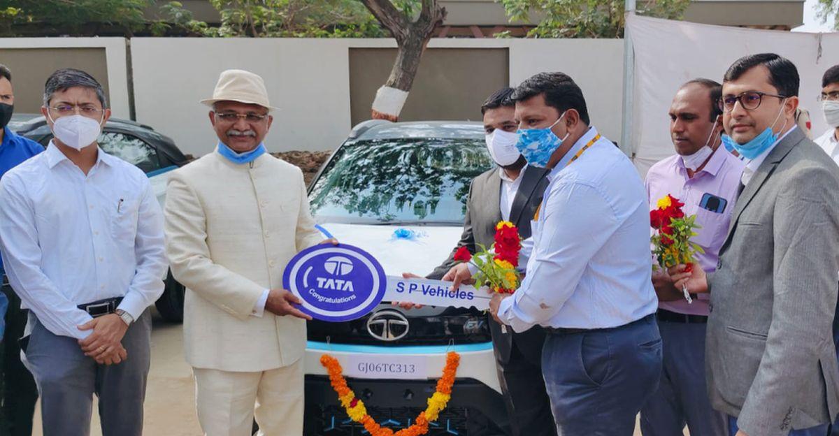 Tata Motors delivers 10 Nexon electric SUVs to the Government of Gujarat