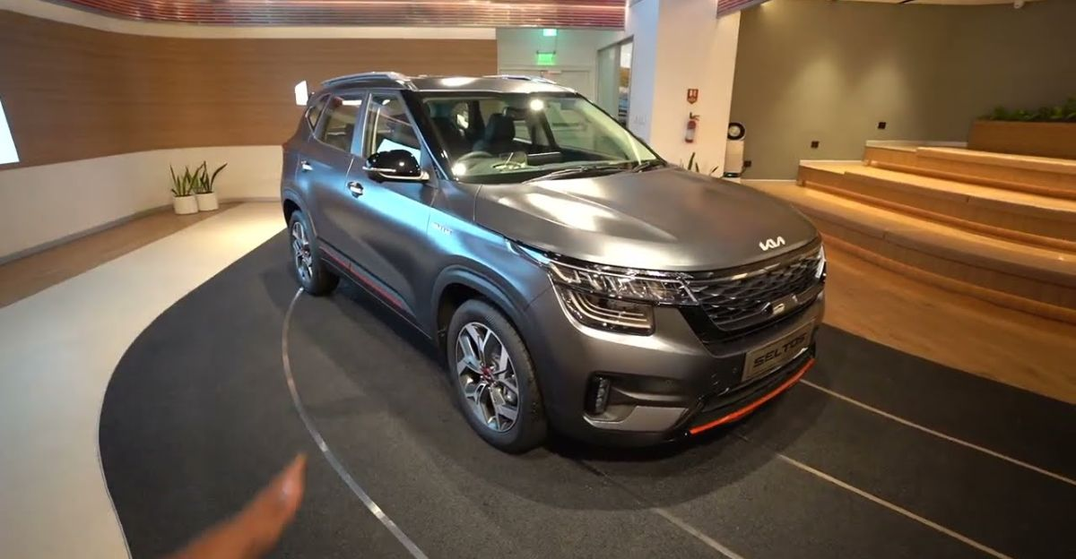Upcoming Kia Seltos X Line compact SUV in a walkaround video
