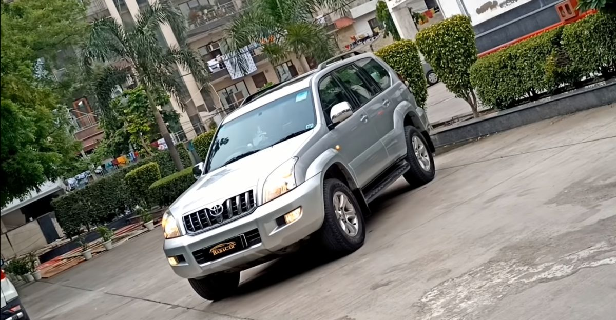 Well-maintained Toyota Land Cruiser Prado 7 seat SUV selling at under Rs. 10 lakh
