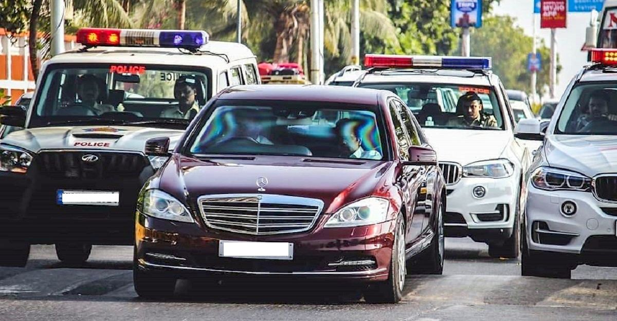 3 Mercedes-Benz S-Guard luxury saloons of Mukesh Ambani spotted together for the 1st time