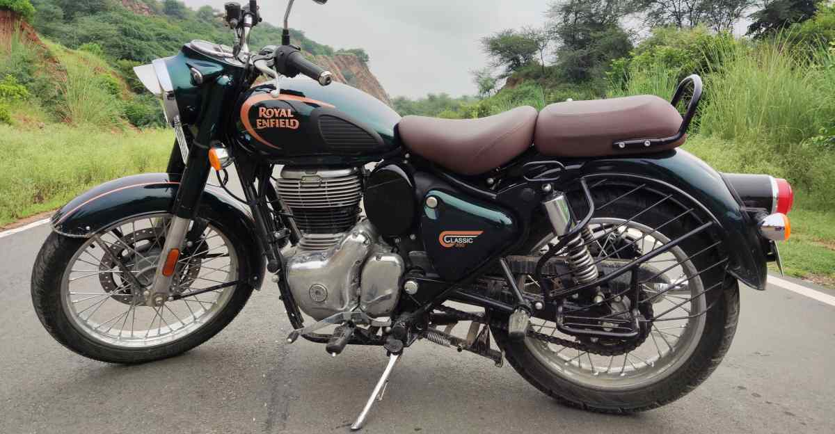 2021 Royal Enfield Classic 350 accessories shown in a walkaround video