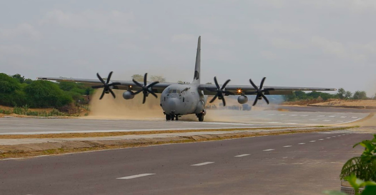Indian Air Force's C-130J Super Hercules & Sukhoi aircrafts conduct emergency landing demo on highway