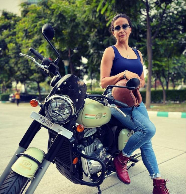 Bollywood actress Gul Panag's new ride is a custom retro Jawa 42 motorcycle