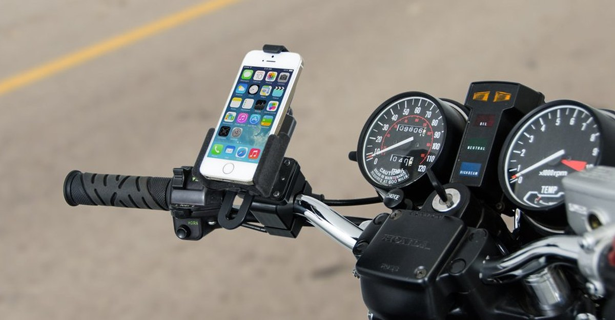 Apple says mounting iPhone on motorcycles can lead to camera damage