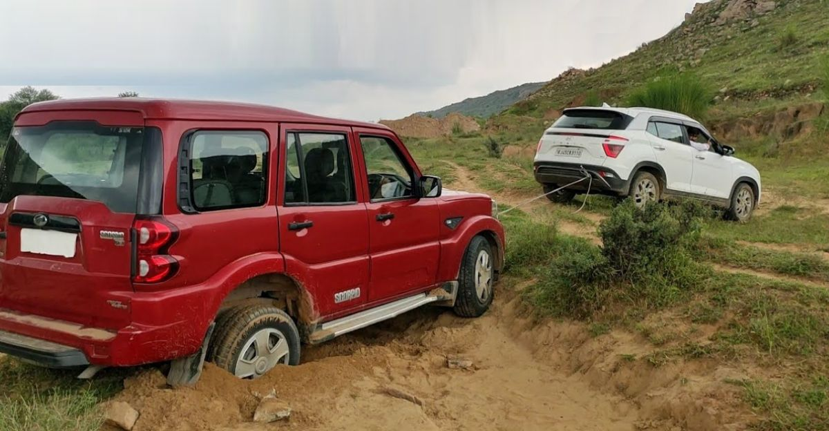 Mahindra Scorpio gets stuck off the road: Hyundai Creta tries to rescue, & also gets STUCK [Video]