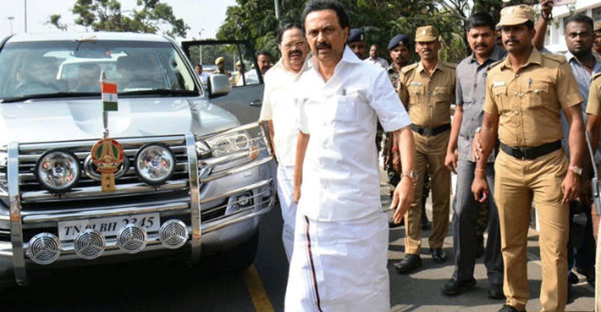 Tamil Nadu CM reduces convoy vehicles to reduce hardship to public