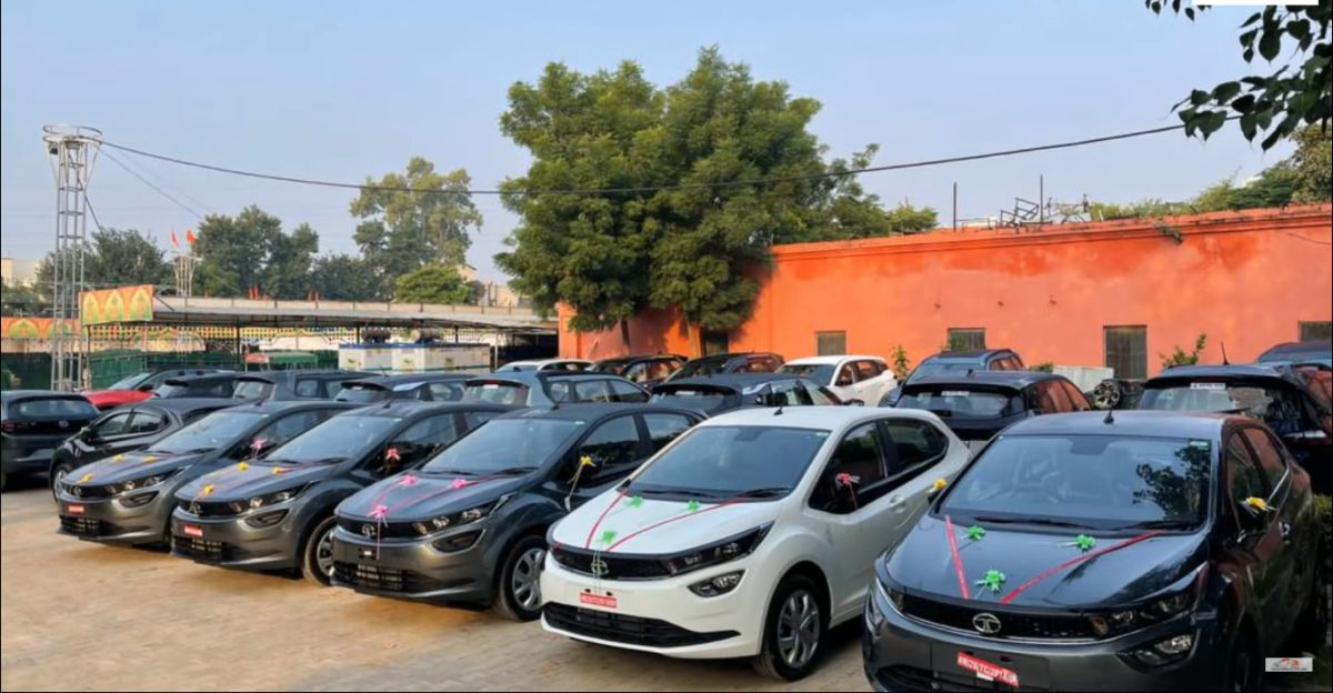 Tata Motors dealer delivers over 100 cars to customers on a single day: Harrier. Nexon, Altroz & more