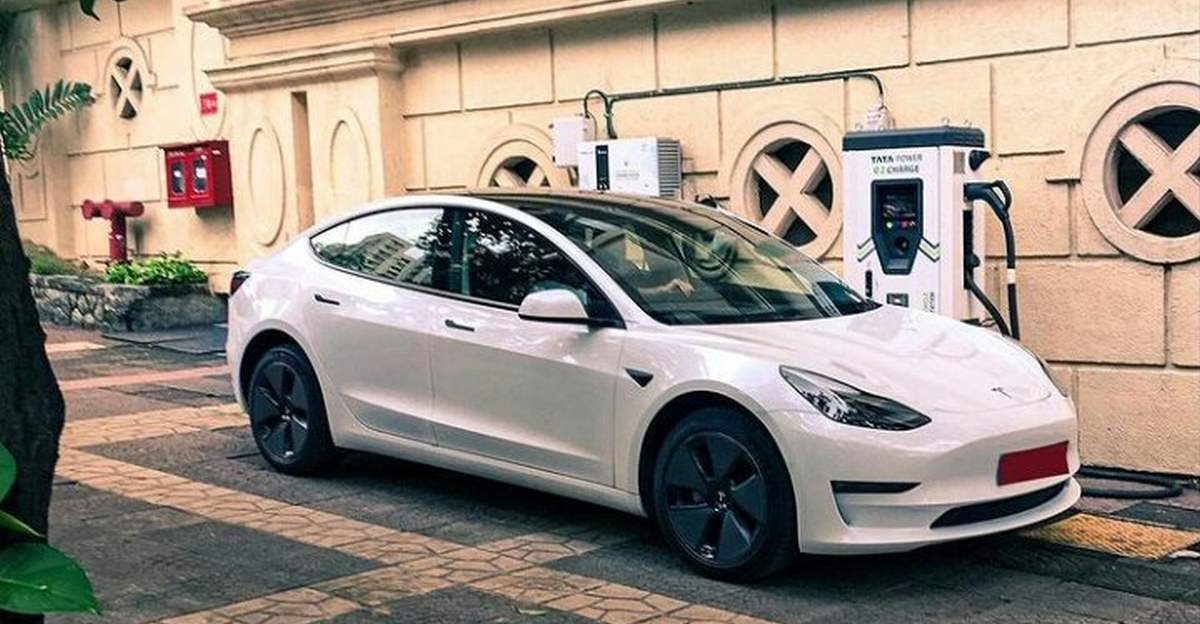 Tesla Model 3 spotted in Mumbai while charging